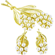Vintage Faux Pearls Brooch / Pin and Clip Earrings