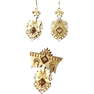 Victorian Etruscan Revival 14K Gold Earrings and Brooch in Excellent Condition!
