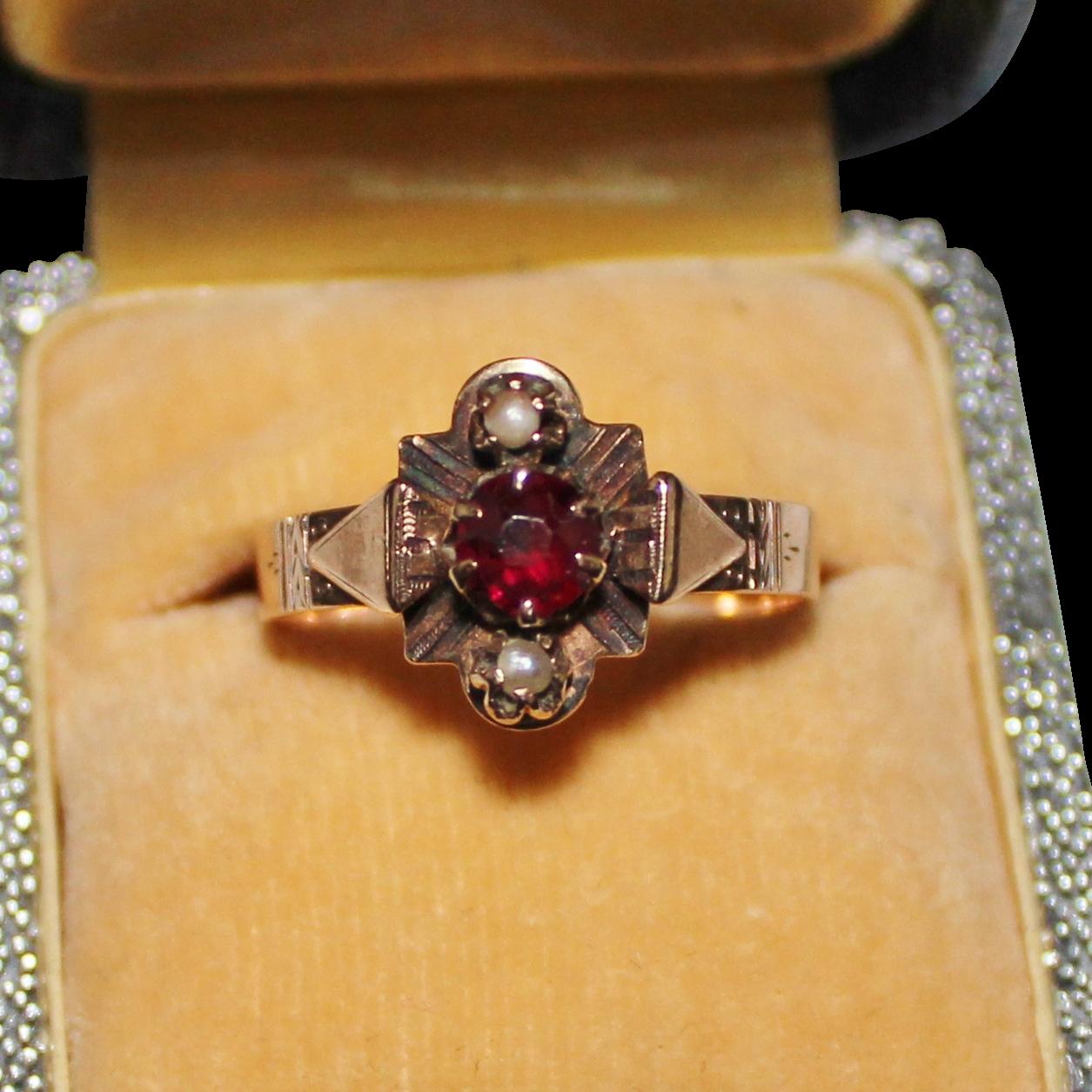 Garnet Small Victorian Ring