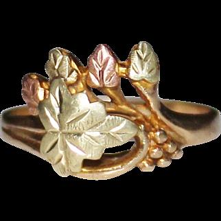 Vintage LANDSTROM'S 10k Black Hills Gold Tri Color Leaf Ring, Size 8, 3.1 Grams