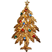 Signed ART Vintage Rhinestone Gold Textured Christmas Tree Figural Brooch