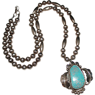 Vintage 1970's NAVAJO Indian Sterling Silver Turquoise Necklace, Bench Beads