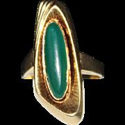 Vintage 1950's Mid Century 14k Yellow Gold CHRYSOPRASE Ring, Size 8, 5.1 Grams