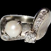 Vintage 1950's 14k White Gold Diamond & Pearl Ring, Unique Design, Size 5, 6.4G