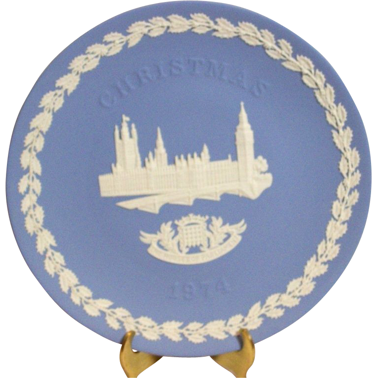 Vintage 1974 Wedgwood blue jasperware houses of parliament christmas collector plate mint condition
