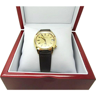 Vintage Men's1976 Accutron 2181G new battery and band ready to wear near mint