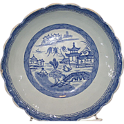 Chinese export blue and white canton Scalloped edge serving bowl