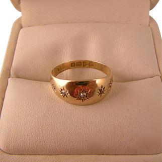 Vintage 18k Gold Ring with Five Diamonds, Size 5-1/2