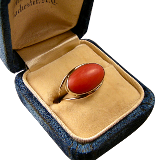 Red Coral Ring, 14K Yellow Gold, Size 5