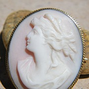 Lovely Victorian Pink Shell Demeter Ceres Cameo Pin / Pendant