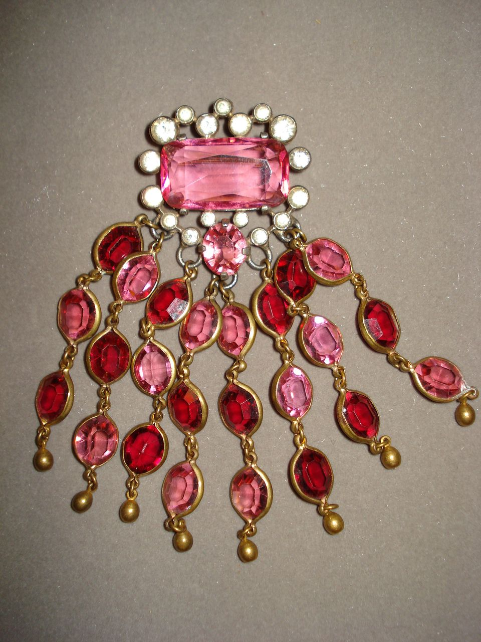 Unmarked Eisenberg Original Brooch with Dangles