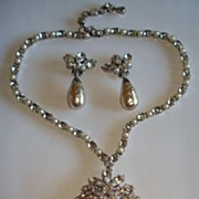 Stunning Schreiner Faux Pearl & Rhinestone Necklace & Earrings