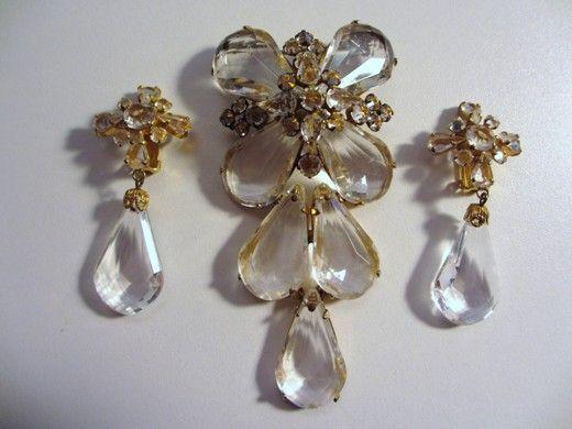 Gorgeous Schreiner Dangling Brooch/Pendant & Matching Earrings
