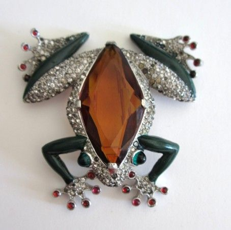 Trifari Masterpiece Enameled Tree Frog Fur Clip