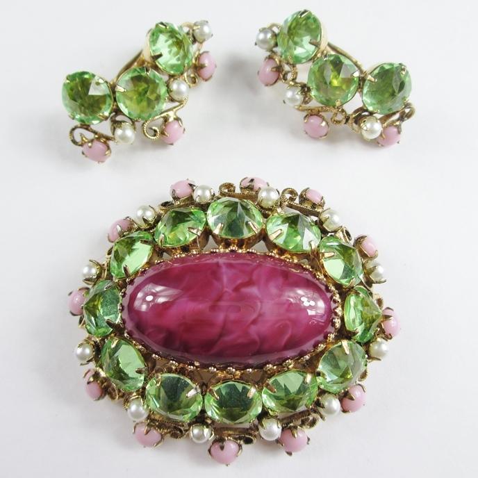 Beautiful Schreiner Pink & Green Brooch & Earrings Set
