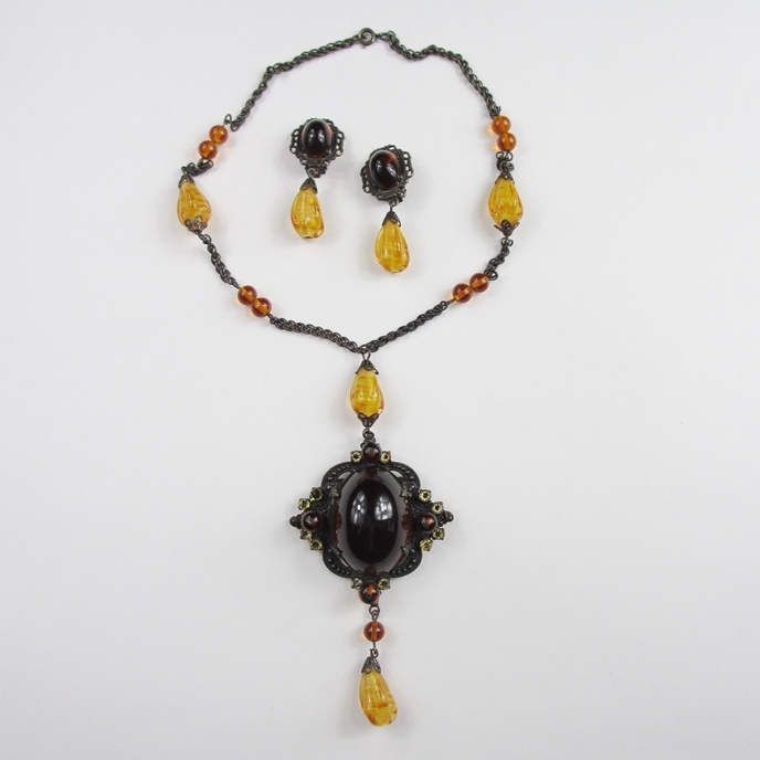 Schreiner Brooch/Pendant Necklace & Earrings Set