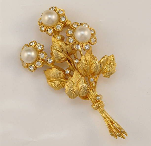 Hattie Carnegie Flowers Brooch Pin—Faux Pearls & Rhinestones