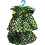 Vintage Ginny doll outfit:  Green calico dress with felt vest: Green shoes: Pantaloons: 50s: tag Vogue Dolls