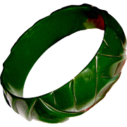 Green Art Deco Bakelite Bangle Bracelet Carved Weave Pattern