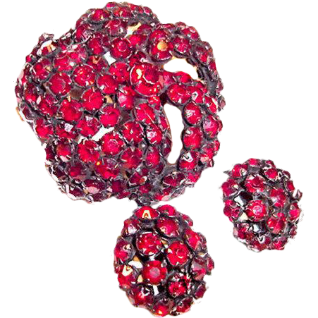 Genuine Warner Brooch and Earrings Red Rhinestones in Japanned Metal
