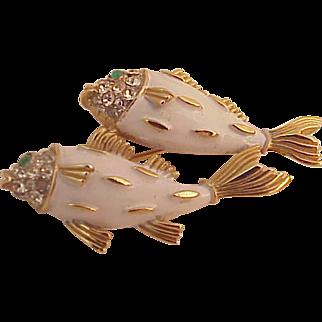 Vintage Crown Trifari White Enamel Twin Fish Pin Brooch