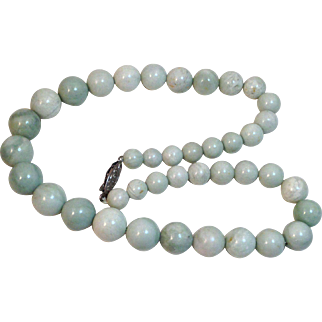 Vintage Light Green Jade Necklace