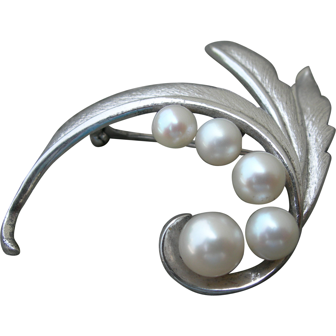 Mikimoto 5 Pearls - Sterling Silver - Vintage Pin Brooch.