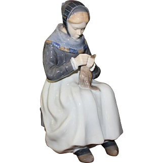 "Royal Copenhagen 1317 RC Amager Woman Knitting 9"" Mint Condition"