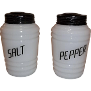 Hazel Atlas Salt & Pepper Range Shaker Set