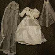 Sweet vintage bride dress with two veils
