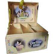 Adorable vintage Snow White jewelry box
