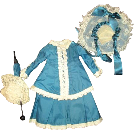 Beautiful doll dress and matching hat