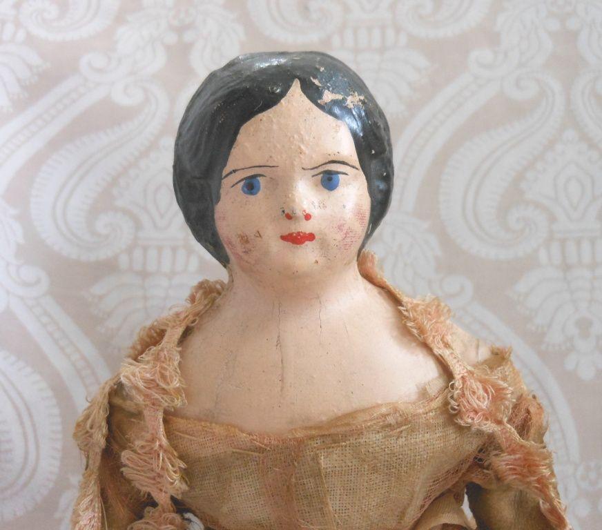 Papier Mache Autoperipatetikos Doll