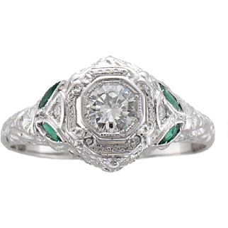 Vintage Sculpted 18K White Gold Diamond & Emerald Ring