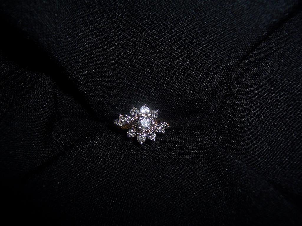 14 Karat Gold Brilliant-Cut Ladies Diamond Cocktail Ring