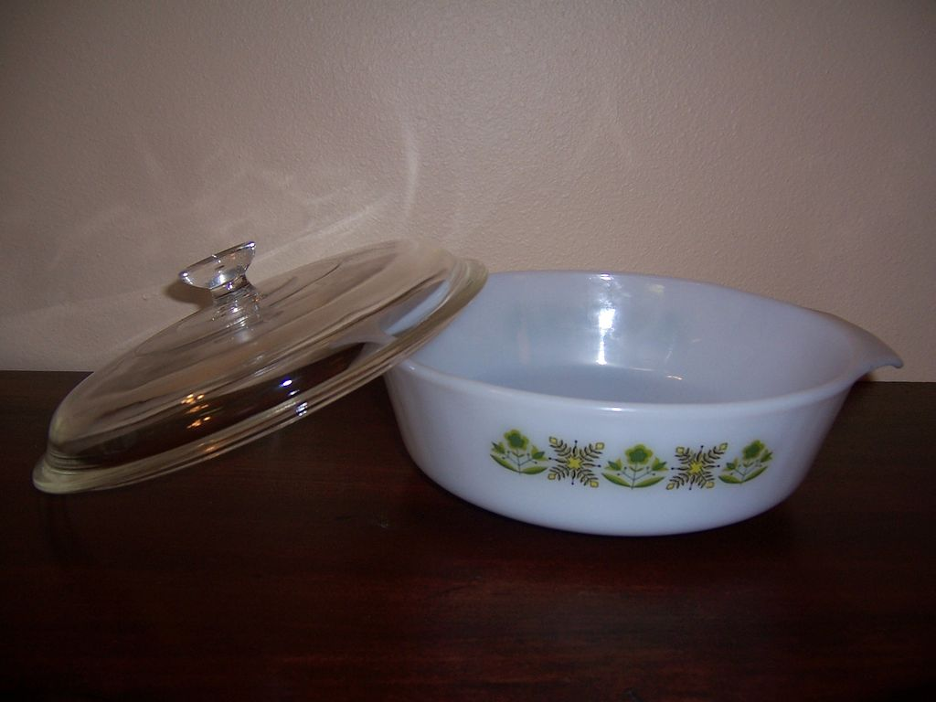 "Fire King ""Meadow Green"" 1 1/2 Quart Casserole Dish with Lid"