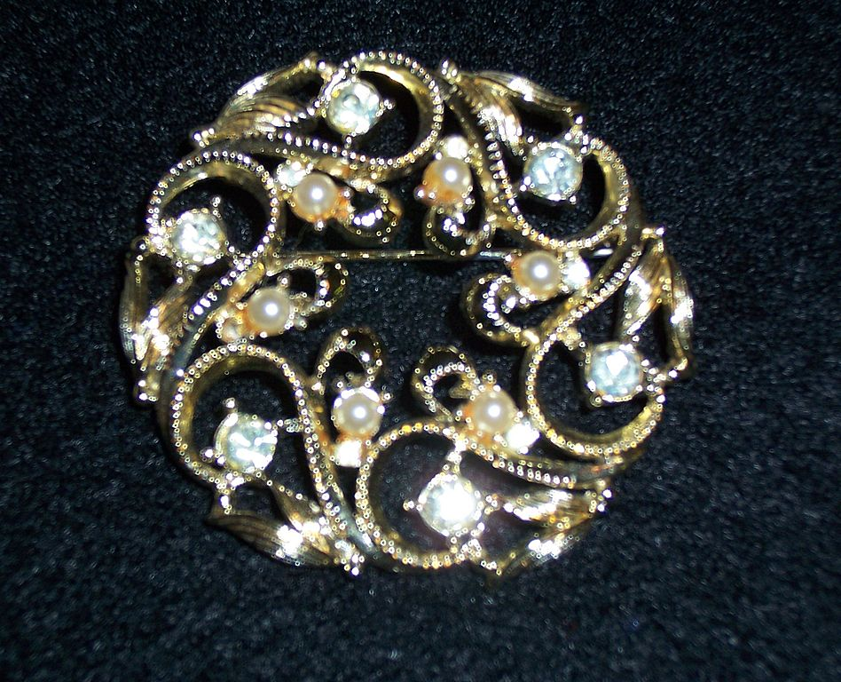 "Vintage Sarah Coventry ""Coronation"" Brooch"