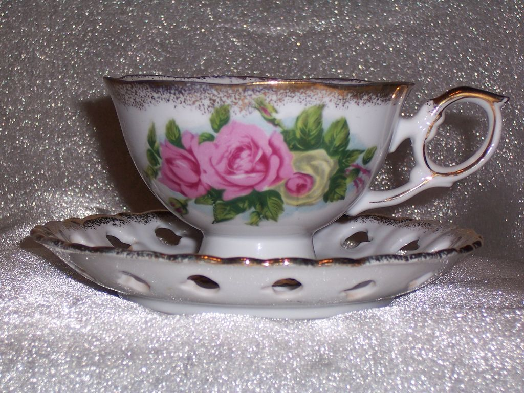 Ucagco Teacup and Saucer, Large Pink and Red Roses