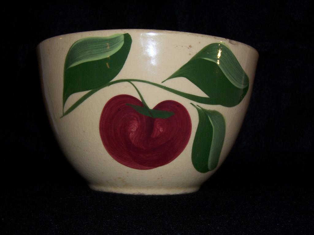 Watt 3-Leaf Apple Deep Mixing Bowl #64