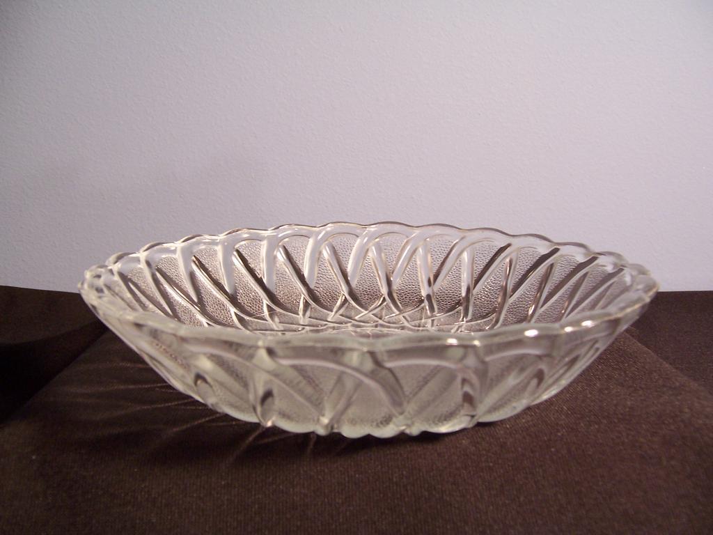 "Indiana Glass ""Pretzel"" Soup Bowl"