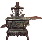 Vintage Small Cast Iron Toy Stove With All Accessories