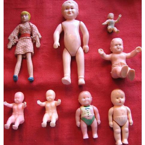 8 Mini Dolls for Dollhouse