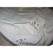 Vintage Baby Bed Sheet and Pillow Case with a Sweet Giraffe Design