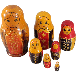 Russian Nesting Dolls Set of 7 Kirov Maidens Inlaid Wheat Design Very Sought After