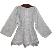 Pretty White Cotton Lace Fashion Blouse / Coat