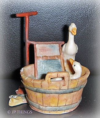 Lowell Davis Retired Good Clean Fun Duck Figurine