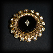 Stunning Brooch Black Glass with Diamond Shaped Inlay Rhinestone Gold Tone Setting