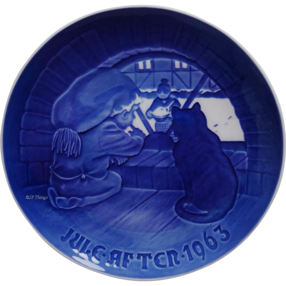 Bing & Grondahl 1963 Blue and white Christmas Plate called Christmas Elf
