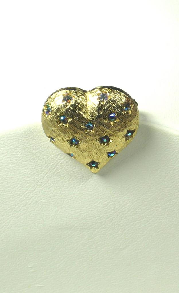 Vintage Weiß : Vintage Weiss Heart Pin from judysgems on Ruby Lane