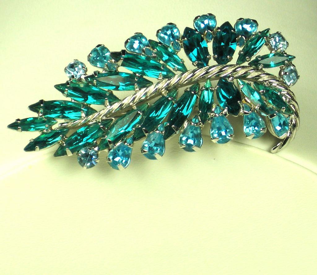 Napier Rhodium Metal and Green Glass Pin